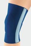 Knä med JuzoFlex Genu 505 Comfort i färgen Navy