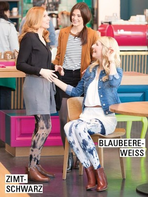 Drei Frauen unterhalten sich