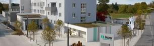 Het bedrijfsgebouw van Juzo in de Industriestraße in Aichach, Duitsland