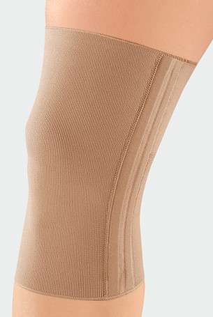 Knee with JuzoFlex Genu 323 in colour Beige