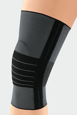 Knæ med JuzoFlex Genu 500 i farven Antracit