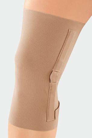 Knie met de JuzoFlex Genu 100 is ook verkrijgbaar in de uitvoering met gewrichtsspalken