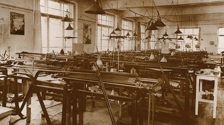 Een blik op de oude productiehal