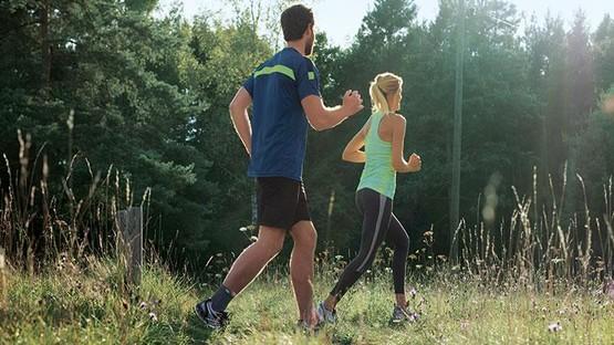 Paar beim Joggen