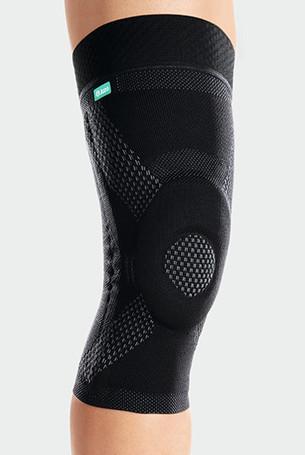 Kniebandage JuzoFlex Genu Xtra Wide in de kleur zwart