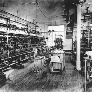 Historical image knitting