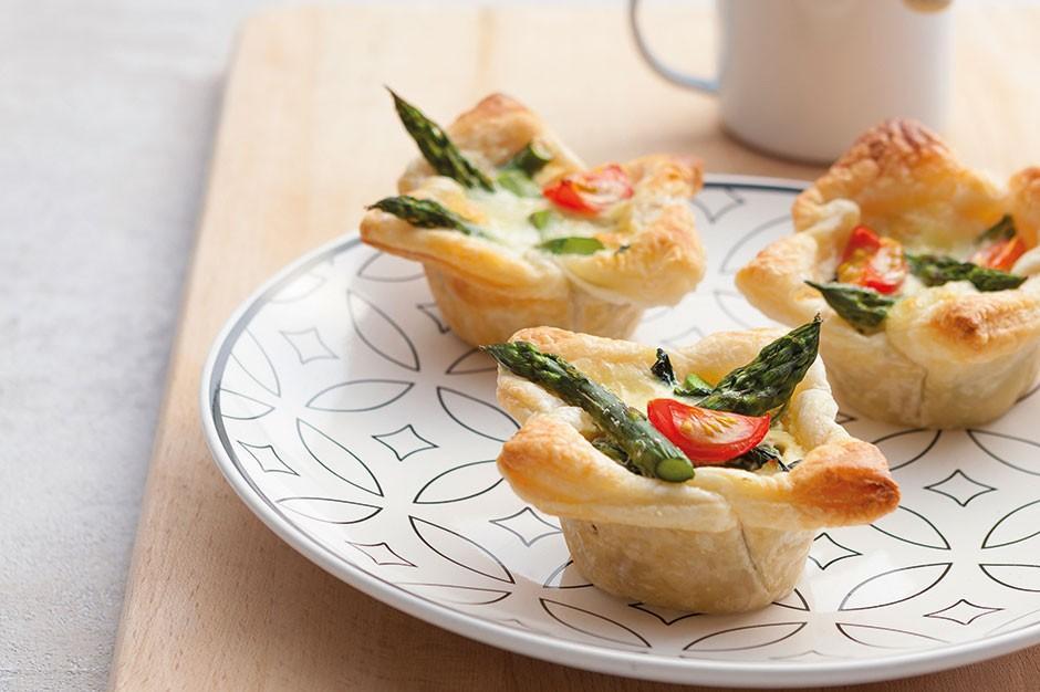 Juzo Minitærter med asparges og muskat