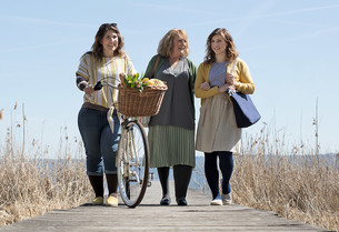 Women with lipoedema and Juzo compression stockings
