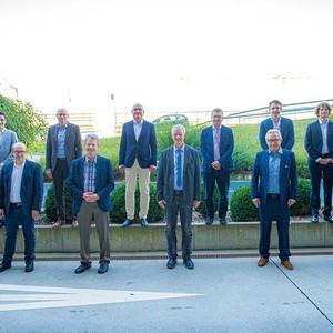 Hinten links: Dr. med. David Muggli, Prof. Dr. Hans Heinzer, Prof. Dr. med. Gerd Rudolf Lulay, Univ.-Prof. Dr. med. univ. Erich Brenner, PD Dr. med. Gilbert D. Puippe, Sergio Fotana, Peter Fontana, Inhaber Berro AG. vorne von links: Dr. med. Michael Oberlin, Prof. Dr. Michael Jeltsch, Dr. med. Thomas H. Hess, Dr. med. Stephan Wagner, Dr. med. Meinolf Dorka XX, Ulrich Reddig (Juzo); nicht auf dem Bild: PD Dr. med. Dimitri Sarlos