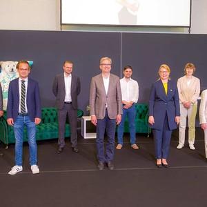von links: Uwe Schettler, PD Dr. med. Christian Taeger, Dr. med. Max Liebl, Prof. Dr. med. Dieter Blottner, Dr. med. René Hägerling, Dr. med. Anett Reißhauer, Dr. med. Christine Schwedtke, Prof. Dr. med. Etelka Földi