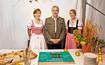Herr Strobl mit zwei Damen und Kuchen